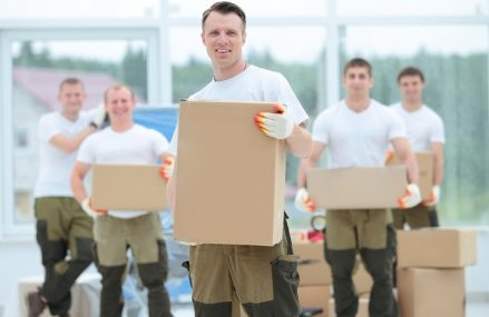 4 Reasons Why Businesses Need Professional Movers